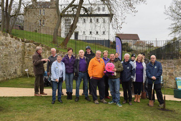 Hawthorn Bank tree planting team